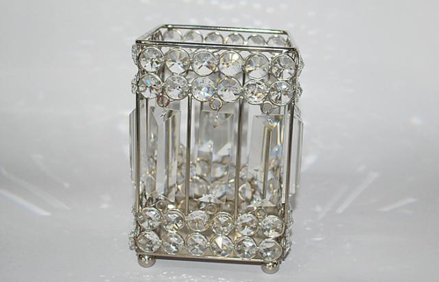 Where to find CRYSTAL SQUARE VASE, 9  X 4 in Lacey