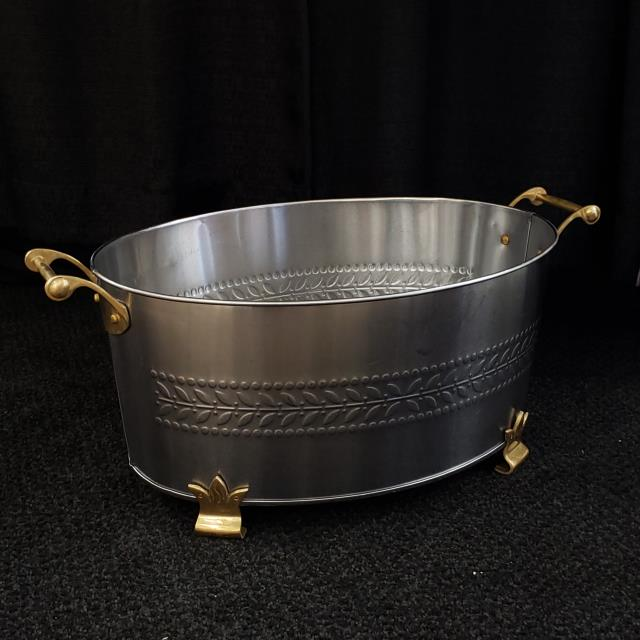 Where to find STAINLESS BEVERAGE TUB, OVAL W BRASS in Lacey